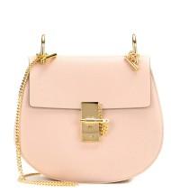 https://www.mytheresa.com/de-de/drew-small-leather-shoulder-bag-684665.html?catref=category#&gid=1&pid=1