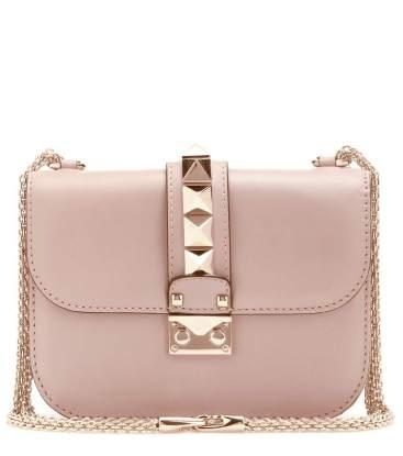 https://www.mytheresa.com/de-de/lock-small-leather-shoulder-bag-656130.html?catref=category