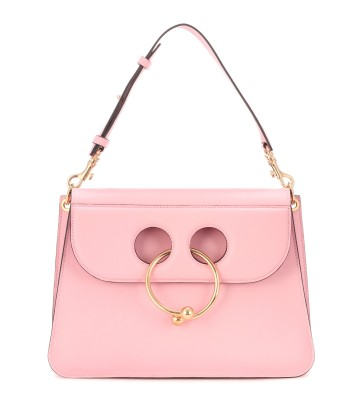 https://www.mytheresa.com/de-de/001259-exclusive-to-mytheresa-com-pierce-medium-shoulder-bag-796447.html?catref=category#&gid=1&pid=1